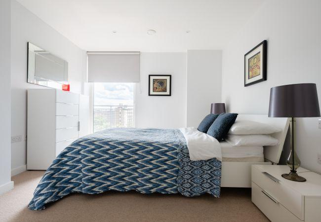 in London - 2 bed 2 bath Greenwich