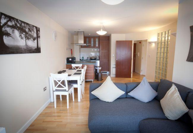 Apartment in Ipswich - 2 Bed/2 Bath, Central Ipswich, Parking, (2nd Flr)