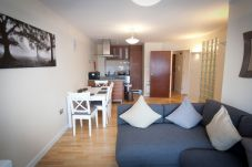 Apartment in Ipswich - 2 Bed/2 Bath, Central Ipswich, Parking,...