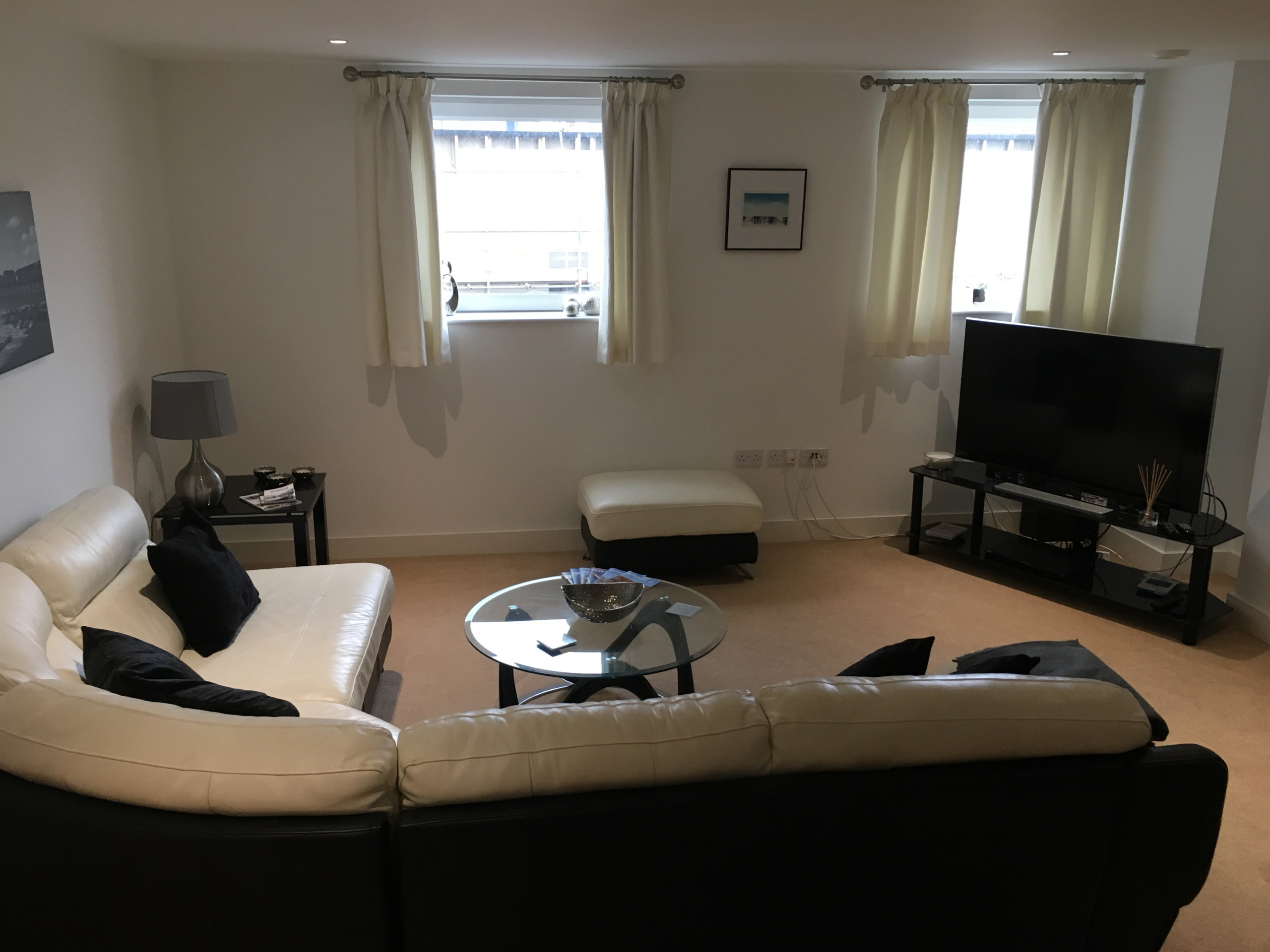 1 Bed, Waterfront Area, Parking, (1st Flr) 2