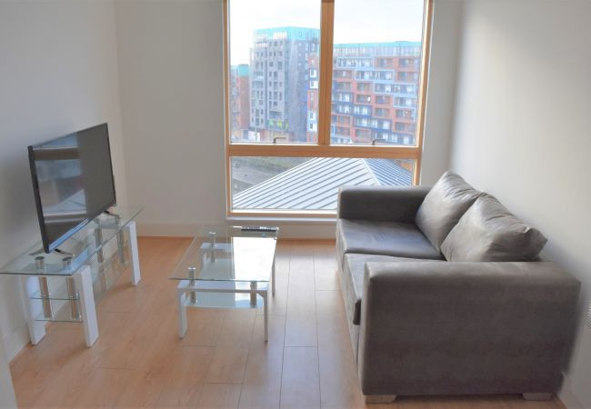 Apartment in Ipswich - 1 Bed, Waterfront views, Parking, (7th Flr) 713