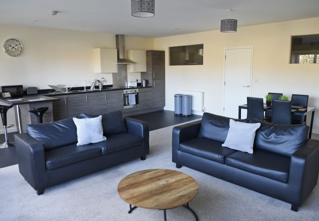 Apartment in Ipswich - 2 Bed/2 Bath, Central East, Parking, (1st Flr) 29