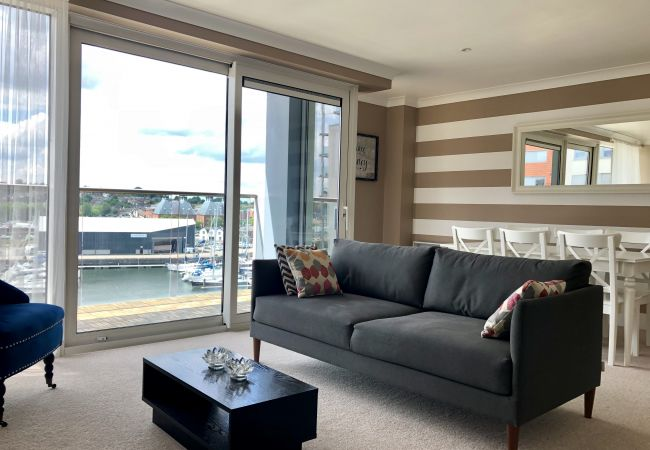 Apartment in Ipswich - 2 Bed/2 Bath, Waterfront Views, Parking, (5th Flr)